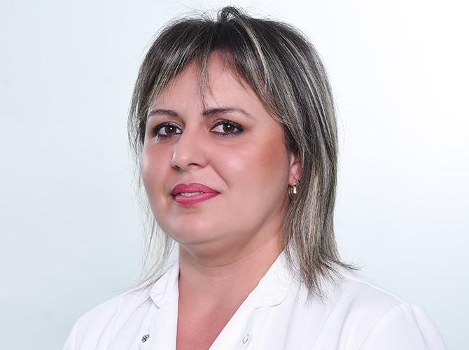 Анета Јошевска-Дамчевска